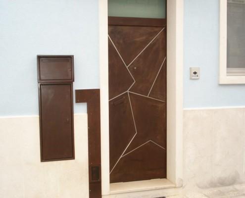 Realizzazione pannello esterno porta blindata in lamiera in cor-ten lavorata al taglio pasma